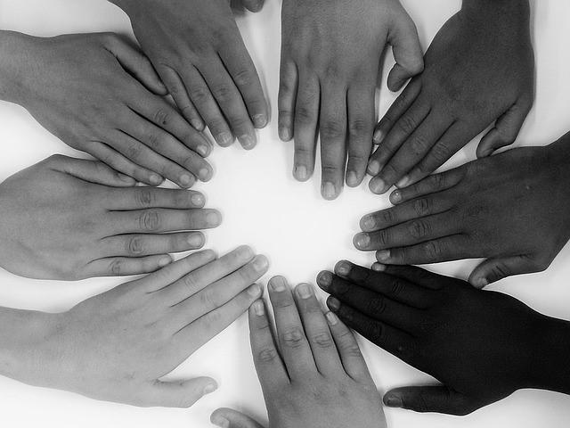 Mãos - todos por um